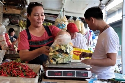 Vendor is customer-centric in her Philippines shop.